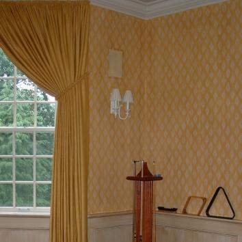 特注の斜方形の刷り込みのパターン、米国のウェストン市 custom diamond pattern stencil plus strié glaze - weston, ma